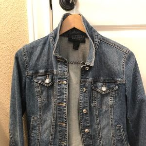 Women's cropped jean jacket